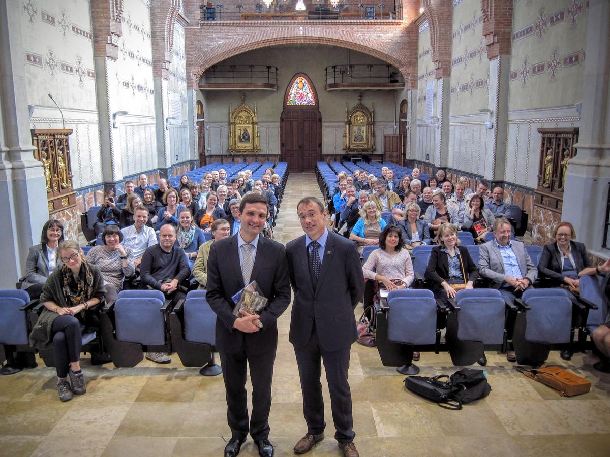 Leiarar og administrativt tilsette ved Høgskulen i Volda på studietur i Barcelona, Abat Oliba universitetet.