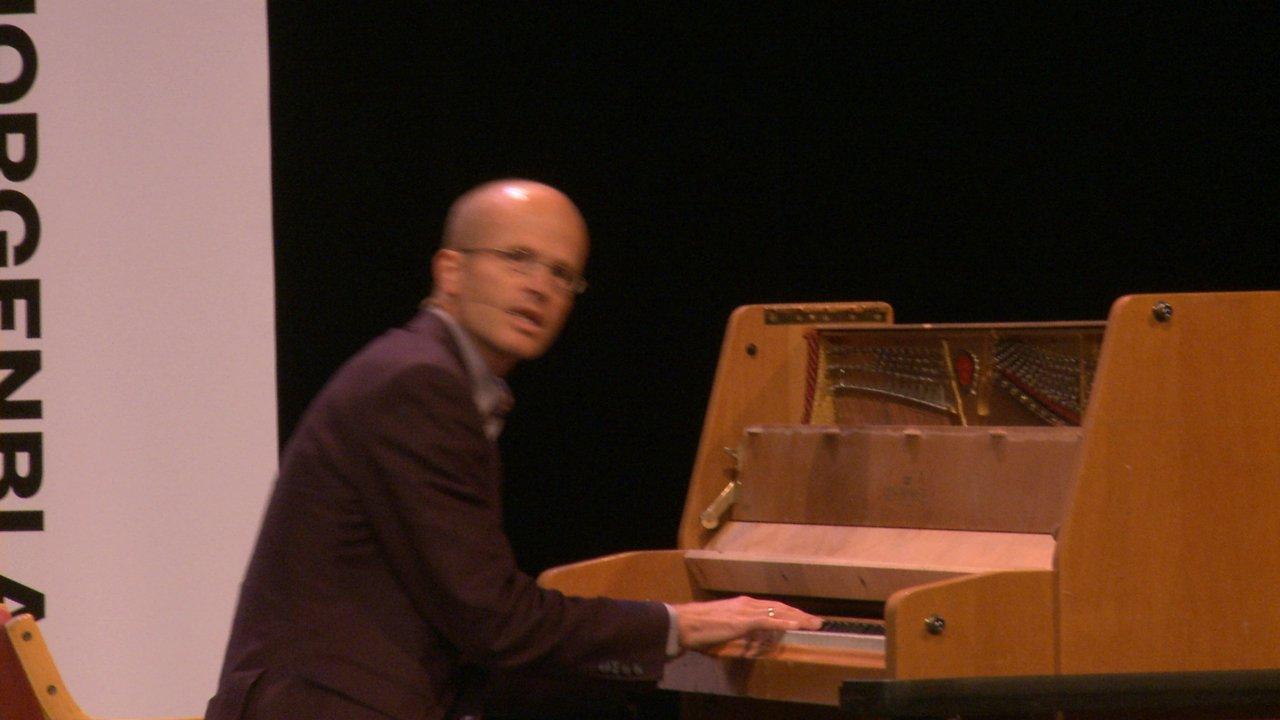 Johannes Skaar ved pianoet. Foto: Morgenbladet.