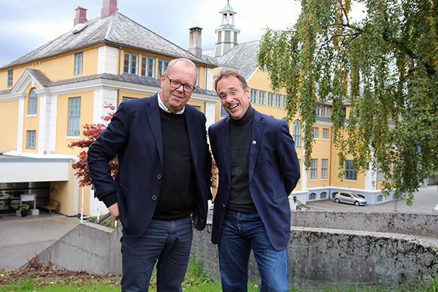 Pål Farstad (V) vitja Høgskulen i Volda i oktober.